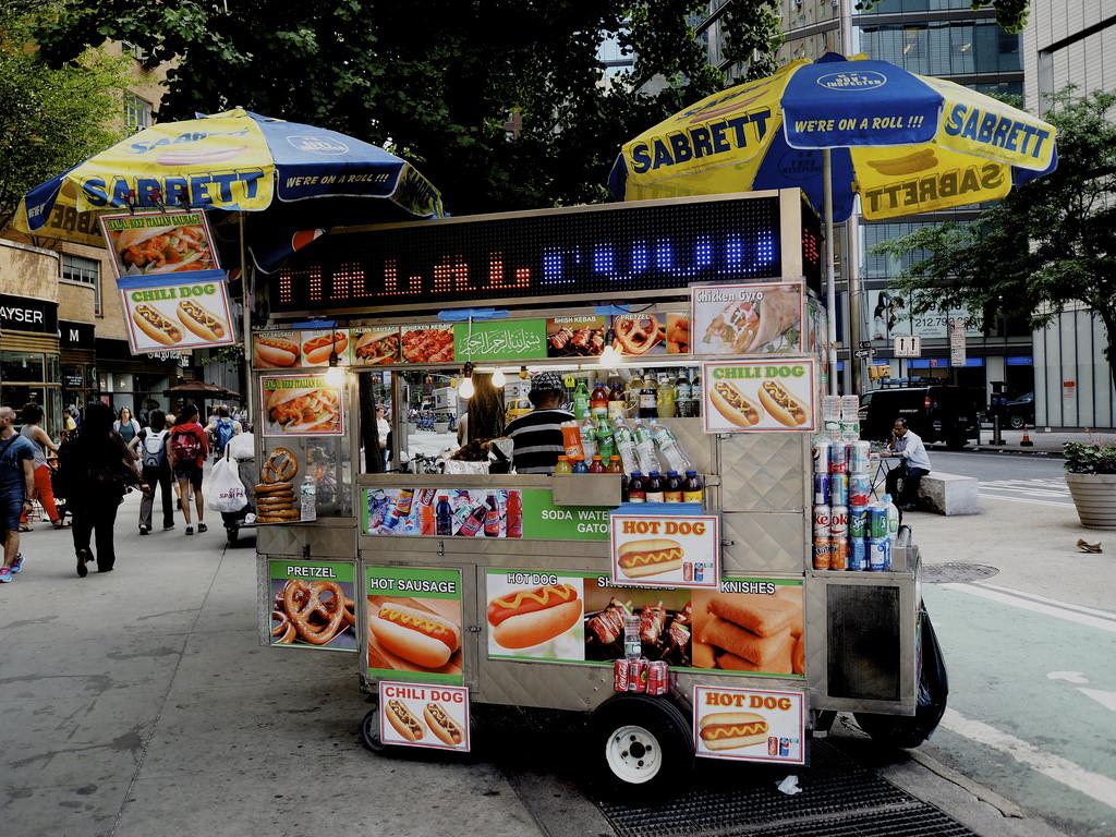 Sabrett-hot-dog.jpg